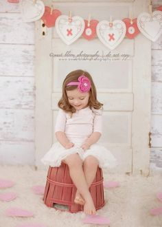 This is perfect for my sweet YaYa! Valentines photo mini session idea