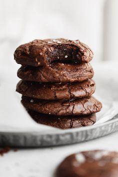 Chocolate Brownie Cookies, Chocolate Crinkles, Chocolate Desserts, Brownie Recipes, Cookie Recipes, Bar Recipes, Shake Recipes, Dessert Recipes, Deserts