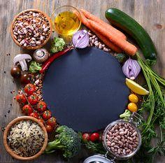 ストックフォト : 野菜、豆、米、ボウル、ベジタリアンやビーガンの食品コンセプトで大豆食コピー領域の背景の健康食品