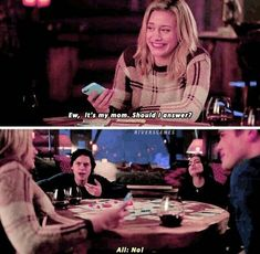 Loved seeing core 4 together again! but like jughead face is like nooo way bro she sucks Riverdale Quotes, Riverdale Archie, Bughead Riverdale, Riverdale Funny, Really Funny Memes, Stupid Funny Memes, Riverdale Betty And Jughead, I Dont Fit In, Riverdale Cole Sprouse