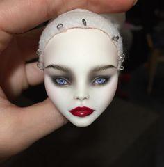 Процесс / in progress #beauty #monsterhigh #monsterhighooak #ooakdoll #repaintdoll #customdoll #cupid #olgakamenetskaya #doll #dollmakeup