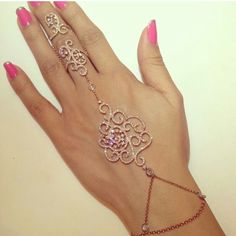 Épinglé par Sierra ღ Smith sur ღ Jewelry ღ | Pinterest  http://weheartit.com/entry/139434013/in-set/17657076-bracelets?context_user=Ameeran