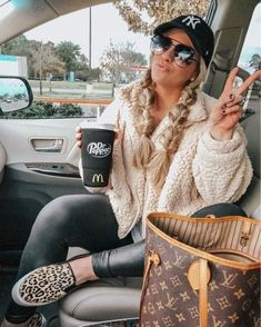 Outfits 2019 Outfits casual Outfits for moms Outfits for school Outfits for teen girls Outfits for work Outfits with hats Outfits women Cute Fall Outfits, Outfits With Hats, Casual Winter Outfits, Winter Fashion Outfits, Autumn Winter Fashion, Trendy Outfits, Women's Casual, Fashion Fall, Emo Fashion