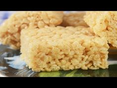A delicious candy-like square made with rice cereal, melted marshmallows, and butter. With Demo Video Rice Krispies, Rice Krispie Cakes, Easy Desserts, Delicious Desserts, Dessert Recipes, Yummy Food, Rice Recipes, Baking Recipes, Dog Food Recipes