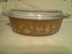 Vintage Pyrex 1 1/2 Qt Brown Early Americana Oval Casserole Dish w/glass lid by SavvyVintageFinds on Etsy