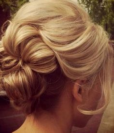 Another 25 Bridal Hairstyles & Wedding Updos | Confetti Daydreams - Wedding Blog