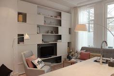 mooie kast! diy! -->werkbeschrijving hier: http://cms.eigenhuisentuin.nl/verbouwen/klusindex/basisklussen/schuifdeurtjes-kast/#.UdA0nPn0HXJ Design Studio Marijke Schipper