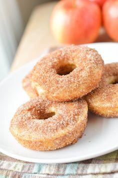 Comment réussir un vrai beigne aux pommes cuit au four - Recettes - Recettes simples et géniales! - Ma Fourchette - Délicieuses recettes de cuisine, astuces culinaires et plus encore!