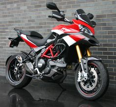 Stunning 2012 ducati multistrada 1200s pikes peak for sale. One owner