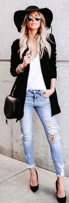 white draped-neckline shirt, distressed blue denim fitted boyfriend jeans, pair of black pointed-toe pump heeled shoes, black leather crossbody bag, and sunhat outfit Heels Outfits, Chic Outfits, Fashion Outfits, Womens Fashion, Blue Denim Shirt, Denim Shirts, Look 2018, Cozy Winter Outfits, Anna Wintour