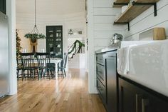 Chip and joanna gains decorators on pinterest magnolia for Where is chip and joanna gaines bed and breakfast located