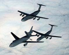 Datei:KC-10 Extender, C-5, C-141 (2151958386).jpg