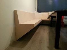 Dit is hem geworden. Cafe Chairs And Tables, Dining Table Bench Seat, Cafe Bench, Diy Bench Seat, Banquette Seating In Kitchen, Corner Seating, Kitchen Benches, Dining Nook, Diner Table