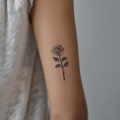 26 Eye-catching Rose Tattoo Ideas For You; rose tattoos on shoulder. Little Tattoos, Mini Tattoos, Flower Tattoos, Body Art Tattoos, Sleeve Tattoos, Tattoo Floral, Small Rose Tattoos, Rose Wrist Tattoos, Rose Tattoo Shoulder