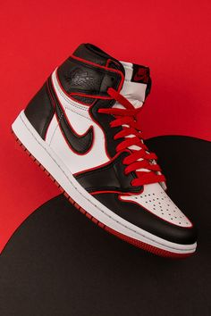 "Air Jordan 1 High OG ""Meant to Fly"" - Street wear Nike Air Shoes, Nike Shoes Outfits, Shoes Sneakers, Sneakers Design, Women's Shoes, Jordan Shoes Girls, Girls Shoes, Jordan Basketball Shoes, Michael Jordan Shoes"