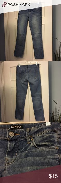 Ankle jeans Light wash ankle jeans. Worn once or twice. Express Jeans Ankle & Cropped