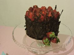 Es una torta elaborada por MG postres