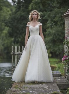 Romantic off-shoulder wedding dress | Stephanie Allin 2016: Love Letters Collection via @SouthBoundBride