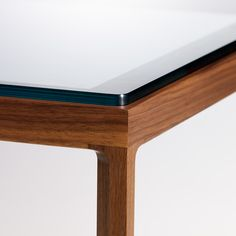 Krusin Side Table   For the Just-moved-in   Knoll