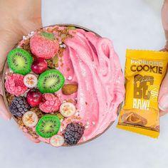 """Polubienia: 9,322, komentarze: 154 – Ewa Chodakowska Fitness Expert (@chodakowskaewa) na Instagramie: """"Żeby brać udział w WYZWANIU nie musisz się zaopatrywać w żadne materiały .. I MOŻESZ WYSTARTOWAĆ OD…"""" Acai Bowl, Cookies, Breakfast, Fitness, Desserts, Instagram, Food, Diet, Acai Berry Bowl"""