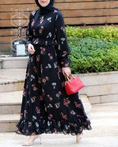 Sydney Modest Maxi Dress - buy jilbab online online abayas abaya buy buy hijabs online islamic school uniform prayer dress abaya women hijab store online Alessia Dress Source by - Hijab Style Dress, Modest Fashion Hijab, Abaya Fashion, Muslim Fashion, Fashion Dresses, Dress Outfits, Modest Maxi Dress, Dress Long, Hijab Fashion Inspiration