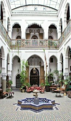 24 beautiful Moroccan riad courtyards - rover at home - . - 24 magnificent Moroccan riad courtyards – rovers at home – # R - Riad Marrakech Medina, Riad Fes, Moroccan Design, Moroccan Decor, Moroccan Style, Moroccan Bedroom, Moroccan Lanterns, Moroccan Curtains, Moroccan Mirror