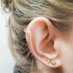 Pretty Ear Piercings, Ear Peircings, Ear Piercings Helix, Different Ear Piercings, Ear Jewelry, Body Jewelry, Jewellery, Ear Piercing Combinations, Helix Piercing Jewelry