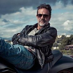 Jeffrey Dean Morgan aka: Negan
