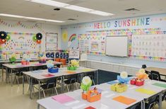 50 Epic Classroom Ideas That Will Change Your Life - Chaylor & Mads Discover new classroom ideas for classroom management, decor, organization, fun and more! Plus, incorporate the final idea and it will change your life! Kindergarten Classroom Decor, Classroom Wall Decor, Classroom Layout, 2nd Grade Classroom, Classroom Walls, New Classroom, Classroom Design, Classroom Themes, Classroom Organization