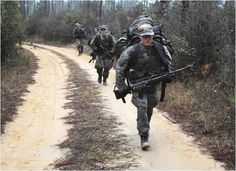 In a move that screams political correctness, the US Army is specifically targeting women to try out for the new Ranger School. Ranger School, Us Army Rangers, 75th Ranger Regiment, Special Operations Command, Green Beret, United States Army, American Soldiers, Women In History, Ancient History