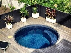 Refreshing plunge pool design ideas fo you to consider 33 - GODIYGO.COM pool ideas 51 Refreshing Plunge Pool Design Ideas for you to Consider - GODIYGO. Pool Spa, Small Swimming Pools, Small Pools, Swimming Pool Designs, Backyard Pool Landscaping, Small Backyard Pools, Landscaping Ideas, Pool Fence, Indoor Pools