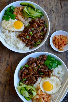 Easy Beef Bulgogi Bowls - Make-ahead recipe for Easy Beef Bulgogi Bowls served with pickled veggies and fried eggs. Asian Recipes, Beef Recipes, Cooking Recipes, Healthy Recipes, Easy Korean Recipes, Steak Dinner Recipes, Easy Japanese Recipes, Japanese Dishes, Japanese Food