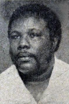 Johan Zebeda † (03 mei 1941-10 oktober 1987) Hij werd geïnspireerd door kawinamuziek, en op jonge leeftijd liep hij al achter de volwassen kawinagroepen aan. Naar eigen zeggen werd hij sterk geïnspireerd door de zangstijl van de destijds populaire kawinazanger van Suriname, 'Big Jones'. Tussen 1970 en 1980 werd Zebeda erg populair door zijn eigen grammofoonplaat, die hij dankzij zijn lidmaatschap van NAKS heeft kunnen uitbrengen. Zijn grote bijdrage aan NAKS was de overdracht van de kawina…