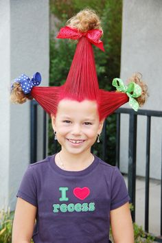 OMG i think we need a crazy hair day at work! These are awesome! crazy hair day ideas - seriously click this. There are SO many awesome crazy hair looks. Too fun. I wish our school still did wacky hair day Wacky Hair Days, Crazy Hair Days, Crazy Hair Day At School, Crazy Hair Day For Teachers, Crazy Hair For Kids, Crazy Girls, Costume Halloween, Scary Halloween, Hair Dos