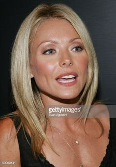 53069141-actress-and-tv-show-host-kelly-ripa-attends-a-gettyimages.jpg (412×594)