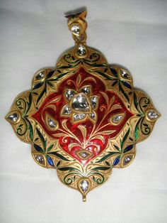 Red minaa jadau pendent India Jewelry, Ethnic Jewelry, Antique Jewelry, Gold Jewelry, Jewelery, Gold Pendent, Pendant Set, Traditional Indian Jewellery, Jewelry Design Drawing