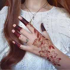 Image in Mehndi designs collection by Zamar Naeem Latest Finger Mehndi Designs, Rose Mehndi Designs, Back Hand Mehndi Designs, Henna Designs Feet, Indian Mehndi Designs, Mehndi Designs For Fingers, Modern Mehndi Designs, Wedding Mehndi Designs, Mehndi Design Pictures