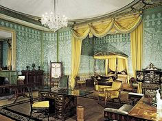 Queen Victoria's bedroom, Royal Pavilion, Brighton, England, UK  (Queen Victoria didn't actually like staying here...)