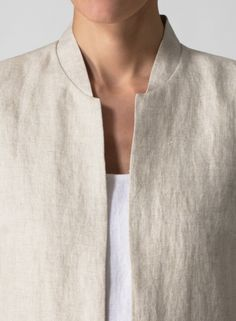Collar detail. Clothing details: pockets, cuffs, sleeves, shoulders of dresses and jackets. Детали одежды: карманы, манжеты, рукава, плечи платьев, жакетов. Detaily oblečení: kapsy, manžety, rukávy, ramínka šatů, sak. Застежки. Молнии. Zapínání na zip, na knofliky.