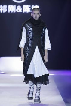 Male Fashion Trends: TO HEART by Gang Qi & Kun Chen Spring-Summer 2017 - Mercedes-Benz Fashion Week China
