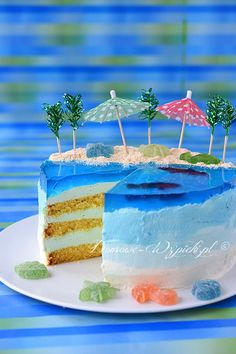 Ocean Cakes, Beach Cakes, Cake Decorating Techniques, Cake Decorating Tips, Beach Dessert, 3d Jelly Cake, Island Cake, Realistic Cakes, Birthday Cakes
