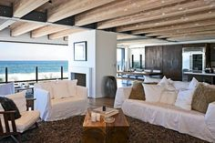 Pacific ocean in the backdrop of the malibu celeb beach house