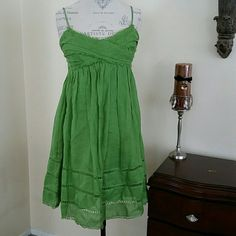 ??Beutiful Summer Dress?? Green Above the knee length Lined  Worn a couple of times  Good condition Studio M Dresses