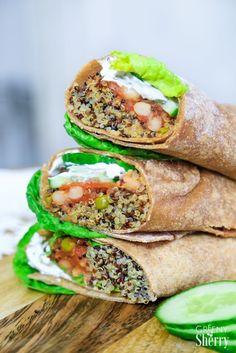 Zum Picknick oder als Lunch auf der Arbeit, Uni oder Schule: Diese leckeren veganen Wraps mit selbst gemachtem Dürüm Fladenbrot sind perfekt fürs 'Meal Prep', schnell gemacht und gesund.