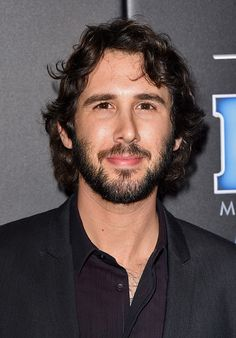 Singer Josh Groban attends the PEOPLE Magazine Awards at The Beverly Hilton Hotel on December 18, 2014 in Beverly Hills, California. (Photo by Jason Merritt/Getty Images)