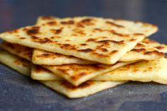 Pour vous mettre à l'heure écossaise rien de mieux que les Tattie scones ! Des scones de pommes de terre à accompagner de bacon et d'oeufs au plat !