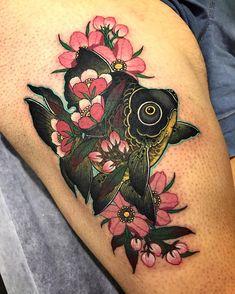 Day 2 @austattooexpo Body Art Tattoos, Small Tattoos, Japanese Peony Tattoo, Goldfish Tattoo, Knee Tattoo, Incredible Tattoos, Peonies Tattoo, Blossom Tattoo, Neo Traditional Tattoo