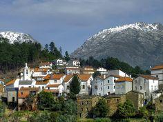 No alto da mais imponente serra de Portugal Continental estão verdadeiros tesouros por descobrir. Conheça as 3 aldeias mais bonitas da Serra da Estrela.