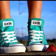 a really cute turquoise converses that i need (as always)