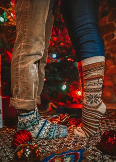 Couple Outfits For Pictures Christmas - Couple